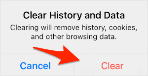an arrow pointing at a button titled Clear to confirm the removal of data on Safari for the iPad