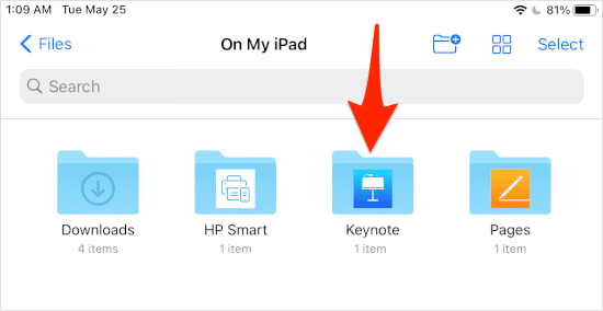 an arrow pointing at a folder named Keynote