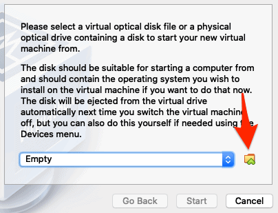 an arrow pointing to a folder icon in VirtualBox